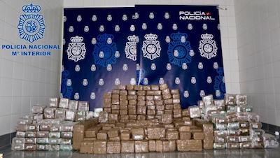 Spain: Galician pensioners found with 450 kilos of hashish in motorhome