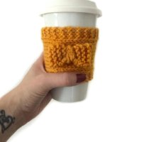 Free Pattern: Pretty Knitted Coffee Sleeve
