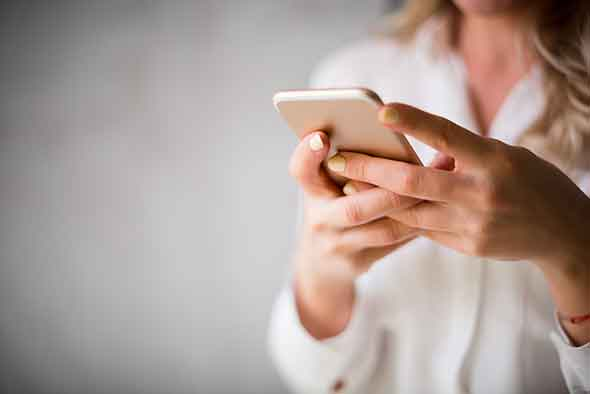 texting-GettyImages-857052046