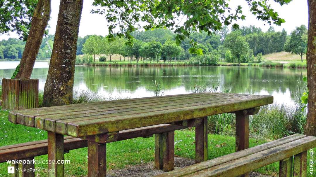 Wake Park Plessé - Profitez de tables ombragées pour un repas champêtre en grandeur nature - Etang de Buhel