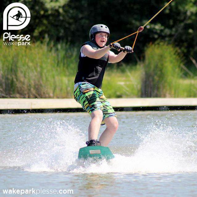 Découvrez le wakeboard sur un téléski nautique grandeur nature au coeur de la Loire-Atlantique