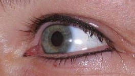 Eyeliner_eyelash_enchancement