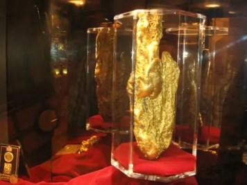metal-detecting-detector-treasure-gold-6