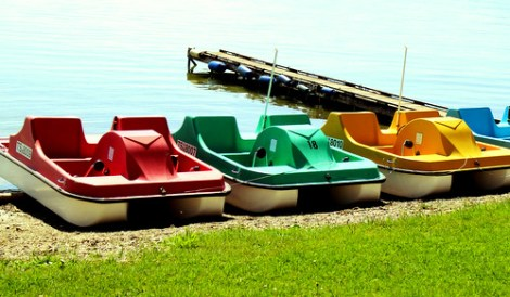 pedal-boat-338996_1920