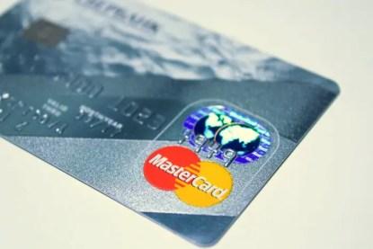 plastic-card-1647376