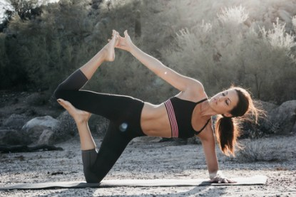 yoga-weightlifting-fitness-14