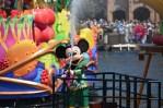 ディズニーランド夏の暑さ対策とずぶ濡れショーの注意点!