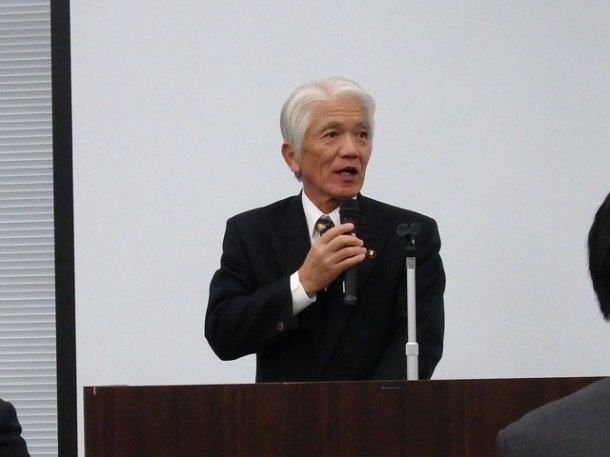 石川良三市長のごあいさつ(名刺にはクレヨンしんちゃん)