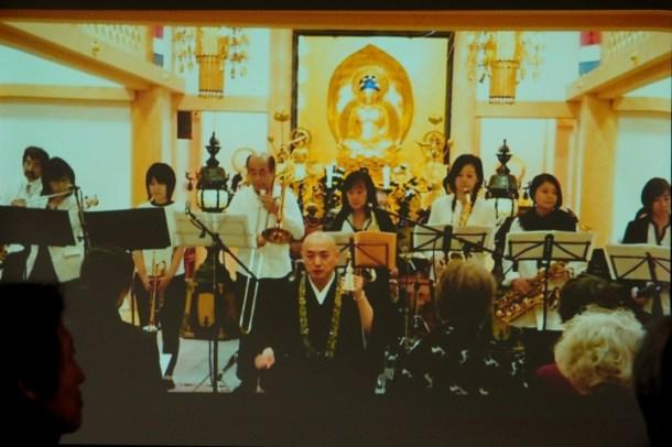 お寺でコンサートもやりました