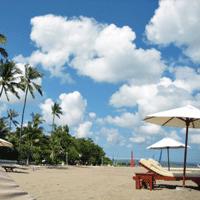 バリ島のビーチの画僧