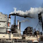 工場の排気ガスの画像