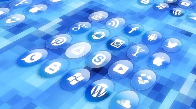 スマホのショッピングアプリ利用中に使うアプリランキング トップはLINEトップ画像