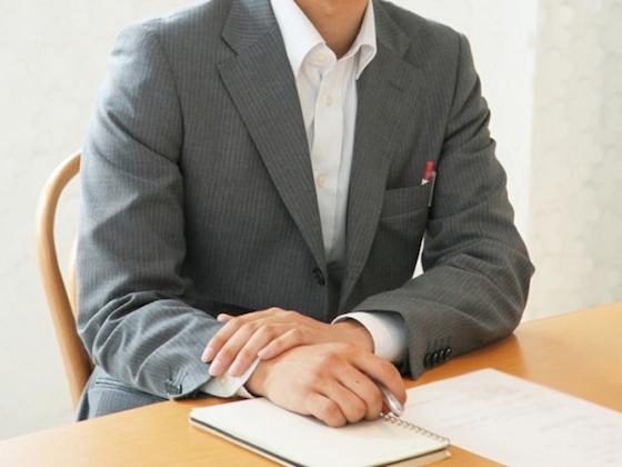日系コンサル会社勤務