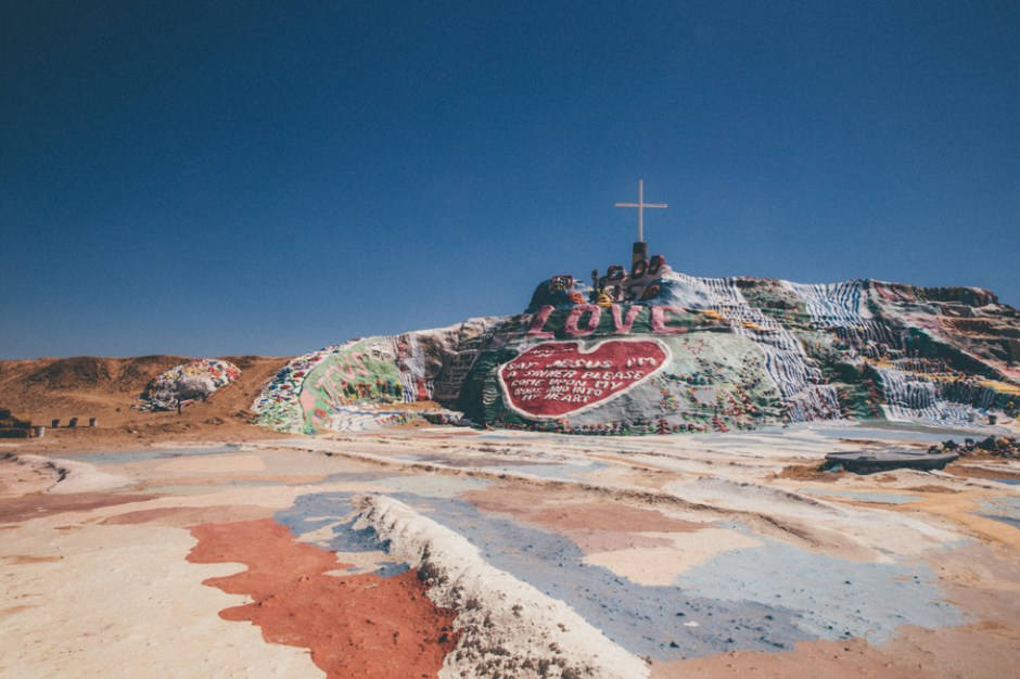 Salvationmountain03