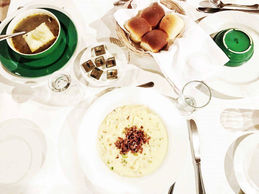 food at jungle lodge hotel restaurant