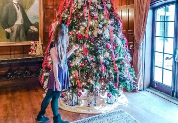 friends of willistead manor holiday decorations