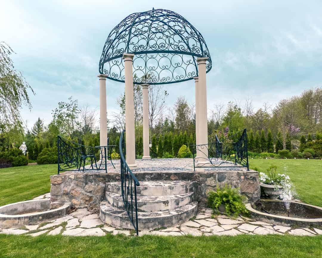 Whistling Gardens in Norfolk Ontario
