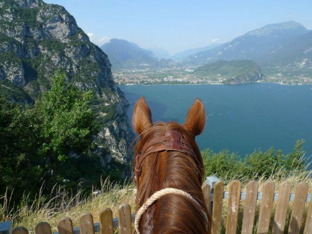 horse riding in lake garda