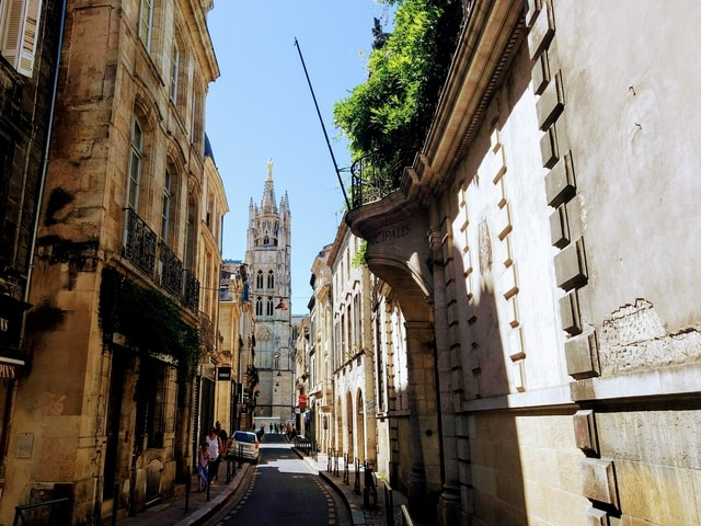 Free things Bordeaux France budget tourist guide