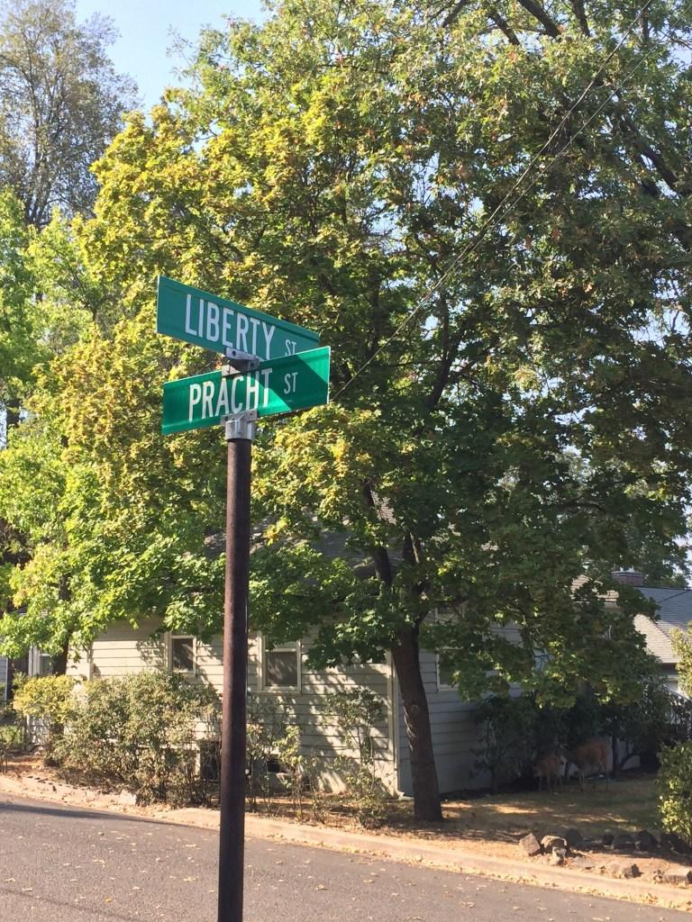 Ashland, Pracht Street
