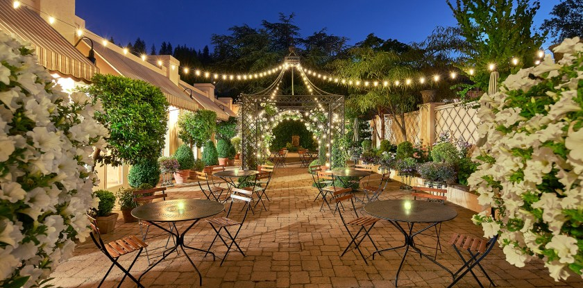 Ashland Springs Hotel patio and garden