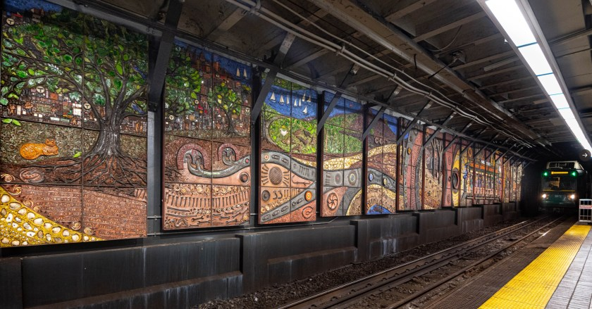 Mosaic by Lilli Ann Rosenberg, Park Street subway station, Boston