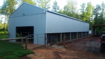 Training-boarding kennel building