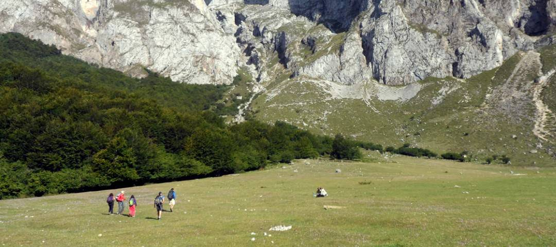 Walking holidays in Spain, hiking group in the Picos de Europa