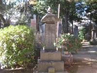 Grave of Bakin Takizawa, the author of a popular drama of 17th century