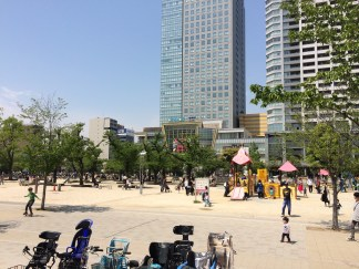 Kinshi Park and Olinus Shopping Mall in Kinshicho
