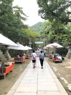 Candy shops along the passage to the main hall