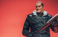 Direto dos quadrinhos de The Walking Dead: Action figure do Negan