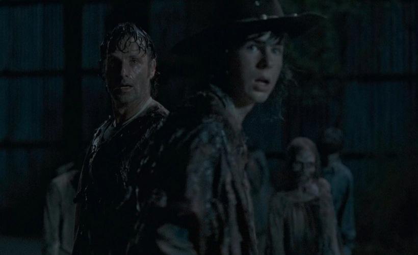 Greg Nicotero e Chandler Riggs falam sobre a adaptação da icônica cena de Carl em