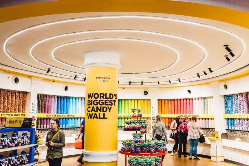 London Itinerary MnMs Store Worlds Largest Candy Wall