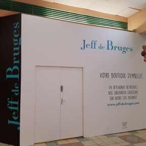 Palissade Travaux Bois Jeff de Bruges Chantier Centre Commercial Bois dArcy