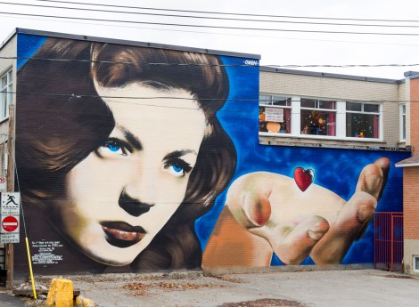 Omen mural on the corner of Beaudet and Décarie photo © Mu