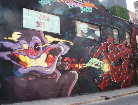 Under Pressure Festival zone 2014 - Crazy Apes wall