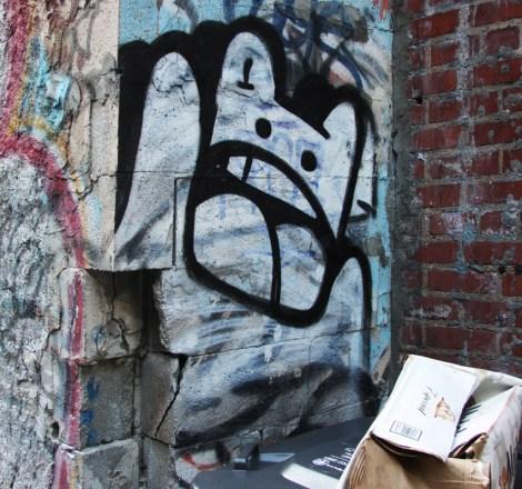 El Moot Moot in alley betwen St-Laurent and Clark