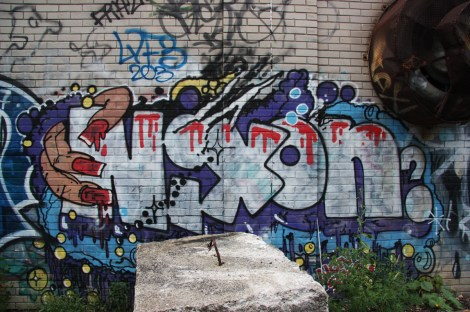 Nixon graffiti behind Henri-Julien building