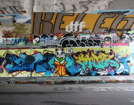 EK7 (left), Bonie (character) and Zomik? (right) at the Rouen legal graffiti tunnel. Top right is Kelen.