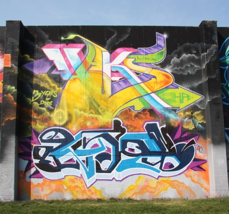 Haks (top) and Ozax (bottom) at the 2015 Lachine graffiti jam