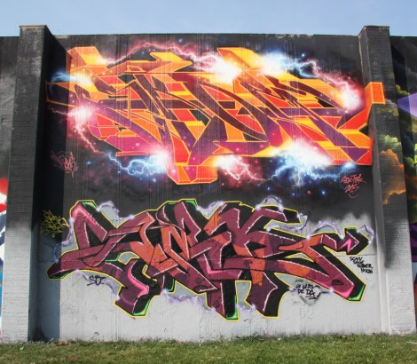 Skor (top) and Smak (bottom) at the 2015 Lachine graffiti jam