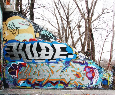 Wonez (bottom) and Kube (middle) at the Rouen legal graffiti wall