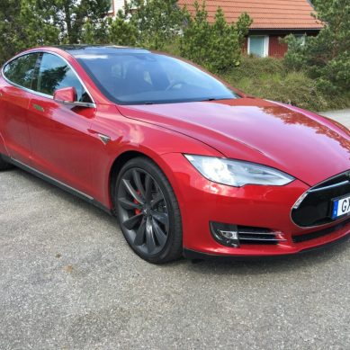 WALLENRUD KÖR TESLA Model S P90D