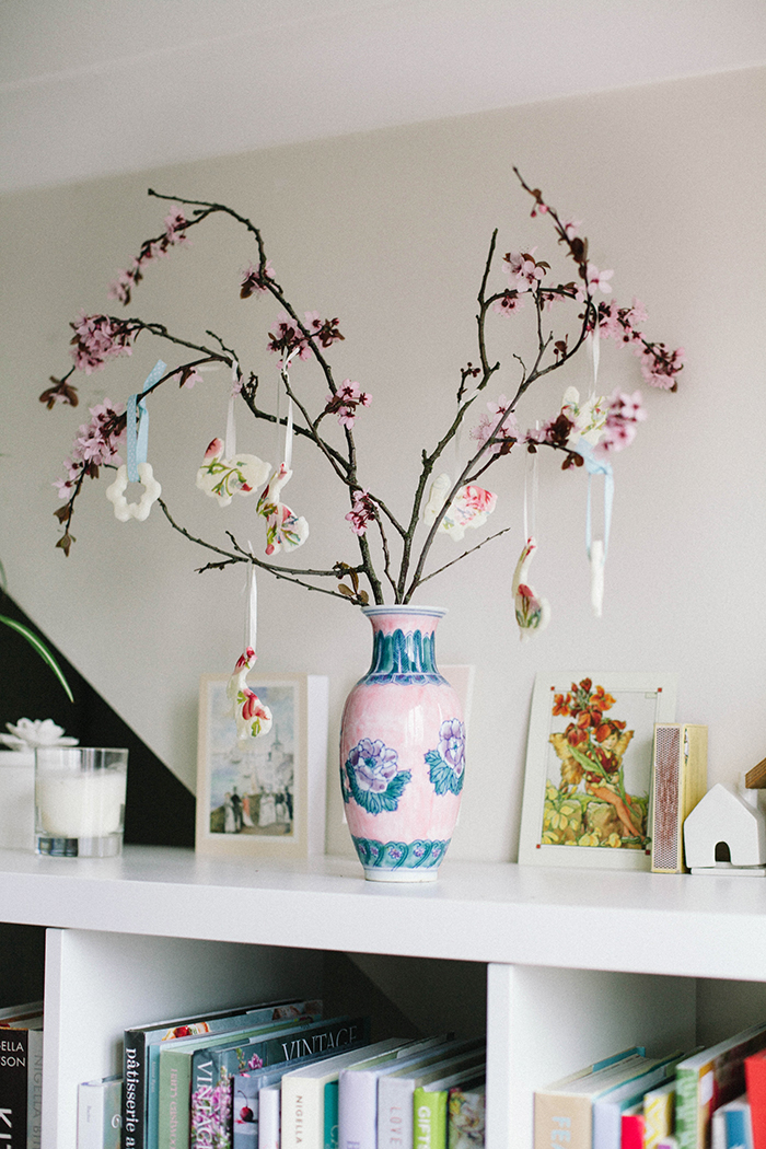 DIY Cherry Blossom Easter Tree  |  Wallflower Girl