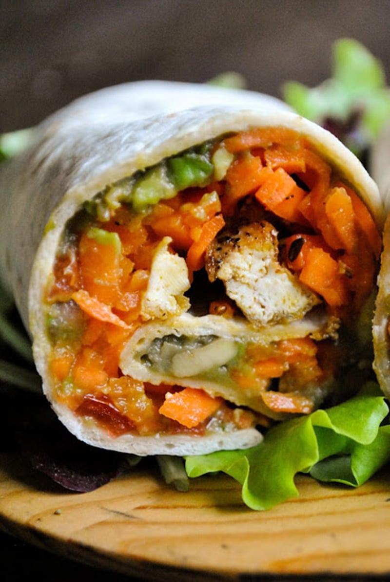 Wraps with Carrot Noodles, Pepper Tofu & Guacamole via vegansandra.com