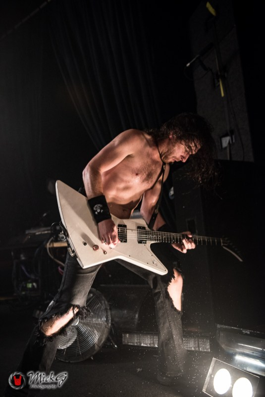 airbourne-25