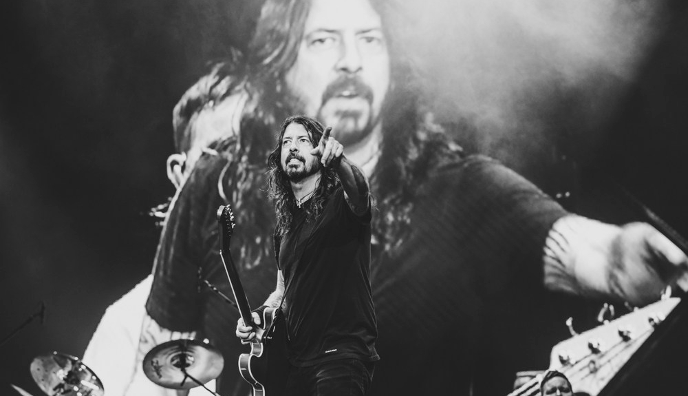 Foo Fighters - Gig Review & Photo Gallery 20th January @ NIB Stadium, Perth WA