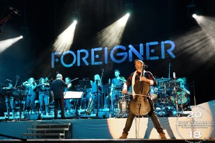 Foreigner002