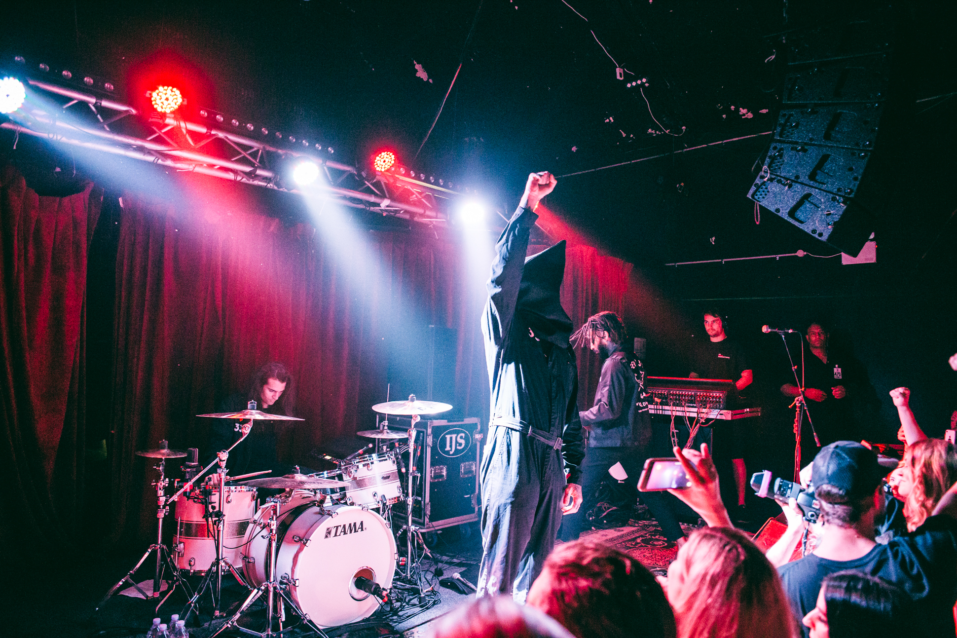 FEVER 333 (2 of 58)